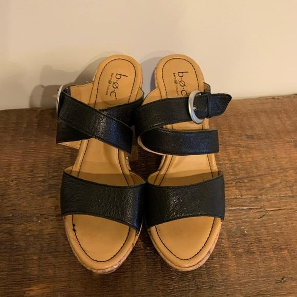 BOC sz 8 black leather adjustable strap sandals